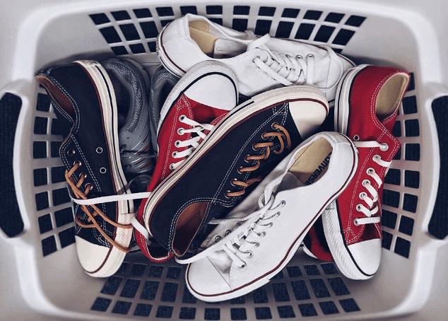 cara menghilangkan bau pada sepatu