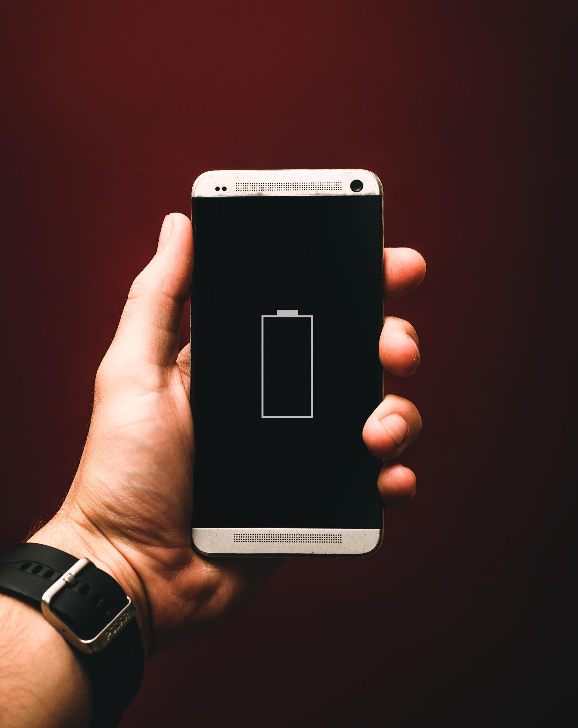 4-cara-mengatasi-baterai-ponsel-tiba-tiba-1